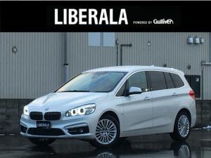 BMW 2シリーズ 218dグランツアラー ラグジュアリー ワンオーナーコンフォートパッケージ パワーバックドア コンフォートアクセス ライトパッケージ シートヒーター インテリジェントセーフティー 黒革シート 純正HDDナビ バックカメラ