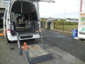 日産 キャラバン  トランスポーター リフター付き 車椅子移動車 福祉車両 車椅子3台可能 8人乗り(椅子は5人分まで)走行38392キロ フロントシート3人乗り Wエアコン ロングパワーゲート