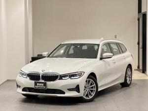BMW 3シリーズ 320d xDriveツーリング 弊社デモカー ブラックレザーシート レーンキープ LEDヘッドライト パーキングアシスト 電動テールゲート シートヒーター アクティブクルーズコントロール 17インチアルミホイール ミラーETC