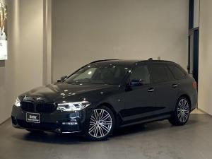 BMW 5シリーズ 540i xDriveツーリング Mスポーツ デビューPKG ソフトクローズドア ヘッドアップディスプレイ ブラックレザーシート トップビューカメラ 全席シートヒーター フルセグ 全方位センサー 禁煙車 ワンオーナー