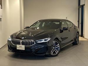 BMW 8シリーズ 840i グランクーペ Mスポーツ サンルーフ ブラウンレザーシート 弊社デモカー 19インチAW 地デジ レーザーライト トップビューカメラ ドライビングアシスト ハーマンカードン アクティブクルーズコントロール Mブレーキ