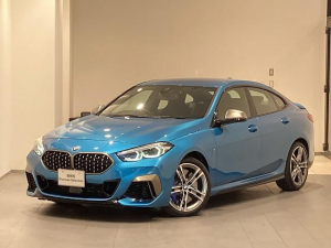 BMW 2シリーズ M235i xDriveグランクーペ 弊社デモカー パーキングアシスト ドライビングアシスト パドルシフト 18インチホイール シートヒーター アクティブクルーズコントロール 前後センサー 電動シート 禁煙車 バックカメラ