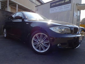 BMW 1シリーズ 130i Mスポーツ 6速MT 純正ナビ 黒革 サンルーフ