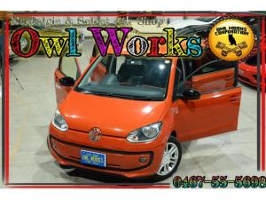 フォルクスワーゲン アップ! オレンジ アップ! 国内1000台限定 オレンジアップ LEDライト ダークティンテッドガラス 専用アルミ ステアリング ダッシュパネル サイドブレーキレバー ファブリックシート ドアシルプレート ファブリックシート