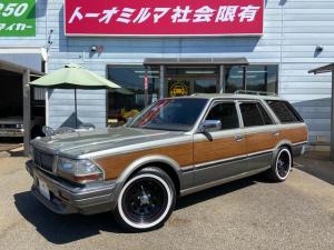 日産 グロリアワゴン SGLリミテッド ベンコラローダウンDAYTONA15ホイールホワイトリボンタイヤ
