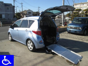 トヨタ ラクティス X福祉車両 スローパー 電動固定式 車椅子移動車 Tチェーン
