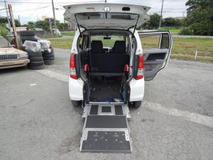 スズキ ワゴンR FX スローパー車椅子移動車 DVDナビ 1セグ タイヤ交換