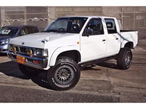 日産 ダットサンピックアップ ダブルキャブ AD 4WD 5速マニュアル リフトアップ