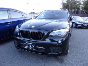 BMW X1 xDrive 20i Mスポーツ 赤本革 パノラマSR 4WD WORK19インチAW 純正フルエアロ HDDナビ Mサーバー AUX バックカメラ PDC バイキセノン LEDイカリング シートヒーター スマートキー 1年保証