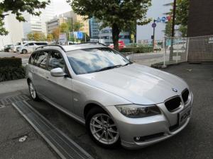 BMW 3シリーズ 320iツーリング 後期型 正規ディーラー下取車 禁煙車 全正規ディーラー記録簿9枚完備 走行25000キロ HDDナビ コンフォートアクセス キセノン ETC 5面フィルム貼り CD AUX 16インチアルミ