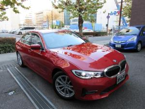 BMW 3シリーズ 320i ハイラインパッケージ ハイラインパッケージ 正規ディーラー入庫車 禁煙車 新車保証継承 1496キロ アイボリー本革 シートヒーター HDDナビ バックカメラ 前後センサー ACC クルコン コンフォートアクセス 17AW