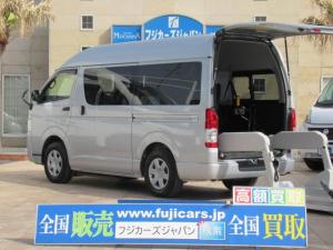トヨタ ハイエースバン  福祉車輌 ウェルキャブ Cタイプ リフタータイプ 電動スライドドア 車いす1基 10人