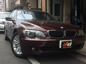 BMW 740i BARBERAROT METALIC・ ベージュ革
