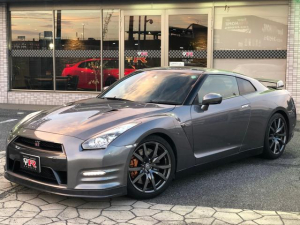 日産 GT-R プレミアムエディション 2013年モデル NISMOスポーツリセッティング保証書有り POTENZA RE070R サッチャムセキュリティ BOSEサウンド バックモニター Bluetooth リアルカーボンフロアマット