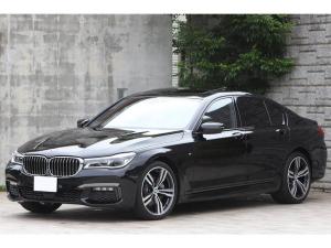 BMW 7シリーズ 740i Mスポーツ 黒革 サンルーフ OP20インチAW