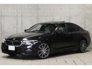 BMW 5シリーズ 530i Mスポーツ サンルーフ アイボリーレザー harman/kardon 20インチAW ハイラインPKG 前後席シートヒーター ヘッドアップディスプレイ 4ゾーンエアコン ドライビングアシスト 3Dビューモニター