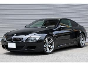 BMW M6 ベースグレード V10NAエンジン搭載 左ハンドル フルレザーメリノ Mスポーツシート シートヒーター ビルシュタイン車高調 19AW ブラックキドニーグリル ヘッドアップディスプレイ iDriveナビ 前後PDC