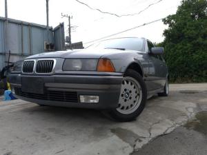 BMW 3シリーズ 320i 左ハンドル SR