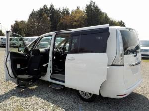 日産 セレナ 福祉車両 20S 全自動助手席リフト 送迎ステップ 手すり