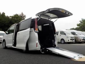 トヨタ ノア 福祉車両 スロープタイプI 車いす2脚 自動ドア ウィンチ