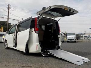 トヨタ ノア ウェルキャブ スロープタイプII 福祉車両 消費税非課税 8人乗り 電動固定式 手動スロープ 後退防止ベルト 自動ドア LEDヘッドライト