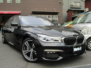 BMW 7シリーズ 740Li Mスポーツ サンルーフ 純正ナビ フルセグTV 後席モニター ETC LEDヘッドライト レザーシート 全席パワーシート ドライブレコーダー スマートキー&スペアキー 後席エアコン HDMI入力 USB入力