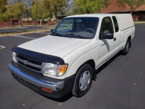 米国トヨタ タコマ エクストラキャブ 98年Toyota Tacoma Xtracab 4x2です。コラムオートマ、エアコン、パワステ、シェル付き