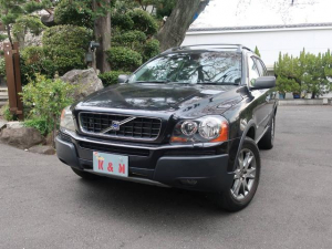 ボルボ XC90 ブラックパールエディション 4WD ナビ バックカメラ 革シート AW 禁煙車 オーディオ付 7名乗り パワーシート ブラック AT