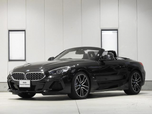 BMW Z4 sDrive20i Mスポーツ レザーシート 19inアルミ