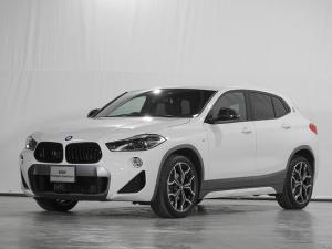 BMW X2 sDrive 18i MスポーツX SOSコール リアカメラ 縦列駐車アシスト ドライビングアシスト 前後障害物センサー LED 19inアルミ 禁煙 認定中古車
