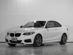 BMW 2シリーズ M240iクーペ 2年保証 CD リアカメラ レザーシート 電動シート シートヒーター アクティブクルーズC ドライビングアシスト 前後センサー ワンオーナー 禁煙 認定中古車