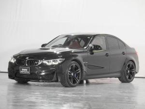 BMW M3 M3 HDDナビ 地デジ リアカメラ サキールオレンジレザーシート シートヒーター ヘッドアップディスプレイ ドライビングアシスト 前後センサー カーボンルーフ 19AW 1オーナー 禁煙 認定中古車