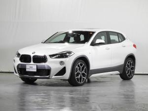 BMW X2 sDrive 18i MスポーツX HDDナビ 電動レザーシート サンルーフ リアカメラ 前後センサー 電動リアゲート ドライビングアシスト シートヒーター コンフォートアクセス LED 19インチAW 禁煙 認定中古車
