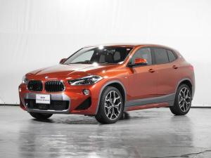BMW X2 sDrive 18i MスポーツX HDDナビ リアカメラ 電動革シート 19インチAW 純正ドライブレコーダー ACC ヘッドアップD シートヒーター 駐車アシスト ドライビングアシスト 前後センサー 禁煙 認定中古車
