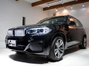 BMW X5 xDrive 50i Mスポーツ 正規ディーラー車 実走行15975km 1オーナー ブラックサファイア 黒革シート 右ハンドル 純正ナビ(iDrive) ETC ヘッドアップディスプレイ ACC パノラマルーフ PDC 純正20AW