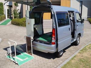スバル サンバーバン 福祉車両トランスポーター リフト式車いす移動車 車いす2台積
