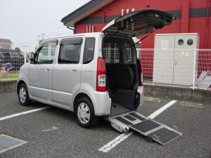 スズキ ワゴンR 福祉車両 車いす移動車 4人乗り電動固定式
