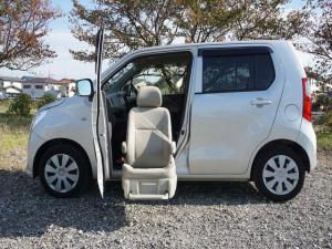 スズキ ワゴンR 昇降シート車助手席回転リモコン付リフトアップ福祉車両禁煙車