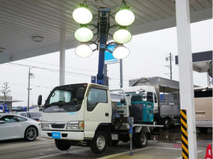 いすゞ エルフトラック  照明車 投光車 6灯式 タダノ3段ブーム デンヨー製ディーゼル発電機付き DCA-13ESY 5MT・3ペダル エスマックSPL6 NOx・PM適合