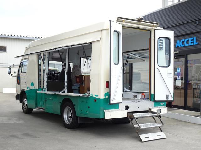 移動販売 キッチンカー キャンピングベース 自動ドア ウォークスルー 左右跳ね上げ扉 FF軽油ヒーター バックカメラ 5MT