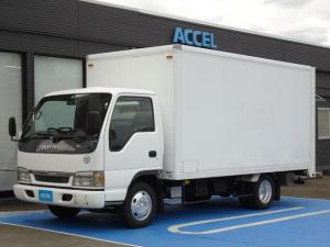 いすゞ エルフトラック  荷台オートコンベアー 自動ベルトコンベア パネルバン 積載1,900Kg AT車 オートコン 1ナンバー リアシャッタードア 荷台長さ430cm・幅188cm・高さ177cm NOx・PM適合