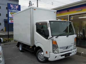 日産 アトラストラック  1.35tパネルバン 2000ccガソリン車 リア三枚扉 バックカメラ キーレス ラッシングレール 電動ミラー 3人乗り