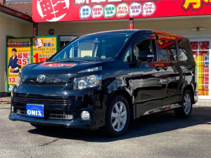 トヨタ ヴォクシー ZS バックカメラ/スマートキー/プッシュスタート/両側電動スライドドア/純正16インチアルミ/ETC/パドルシフト/禁煙車/8人乗り