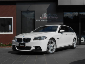 BMW 5シリーズ 523iツーリング Mスポーツ Mパフォーマンスフロントスポイラー&サイドステッカー OPM19インチアルミ REMUS4本出マフラー 純正HDDナビ フルセグTV Bluetooth対応 衝突軽減 レーンアシスト