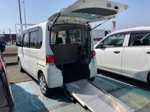 ダイハツ タント  車椅子送迎車 スロープタイプ ホワイト 4名乗り オーディオ付 HID ベンチシート パワーウィンドウ