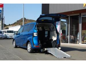 トヨタ シエンタ  福祉車両 車いすスロープ タイプ1車いす1名+3名乗車または5名乗車  純正ナビETC 全国登録料込み価格 全国1年保証
