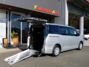 トヨタ ヴォクシー  福祉車両 車いすスロープ 車椅子2基3名 最大7名乗車  ナビ バックカメラ 全国登録手数料無料 全国1年保証