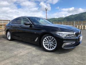 BMW 5シリーズ 530iラグジュアリー 純正ナビ 地デジ 360°カメラ 黒革シート Pシート シートH Pセンサー インテリジェントS Aストップ クルーズC ステアリングA スマートキー Pスタート ETC