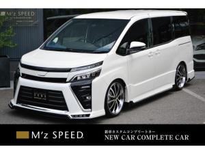 トヨタ ヴォクシー ZS 7人乗 ZEUS新車カスタムコンプリートカー!エアロ(F/S/R)・グリル・FT・ピラー・車高調・マフラー・19インチAW・LEDバックフォグ・アルパインナビ・ETC・カメラ。両側電動スライドドア付。