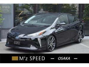 トヨタ プリウス A ZEUS新車カスタムコンプリートカー!エアロ(F/S/R)・Rウィング・ダウンサス・19インチAW・LEDアクセサリー・アルパインナビ・ETC・カメラ。LEDフォグ・ナビレディー・電動ムーンルーフ付。